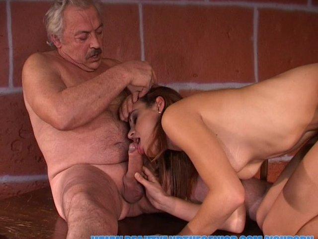 порно старик извращенцы в возрасте и студентка любимое место для